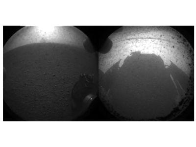 Первые фотографии, переданные ровером с поверхности Марса