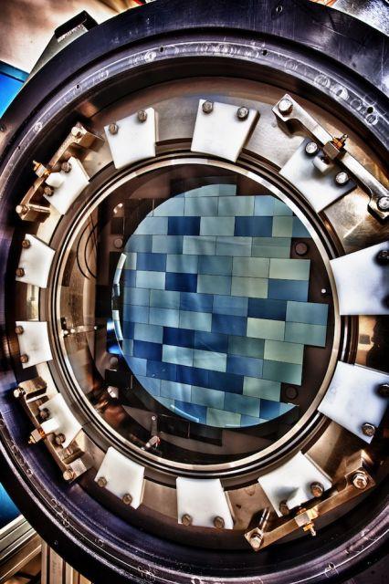 Массив сенсоров камеры Dark Energy Camera, самой мощной на сегодняшней день из всех, что работают на Земле