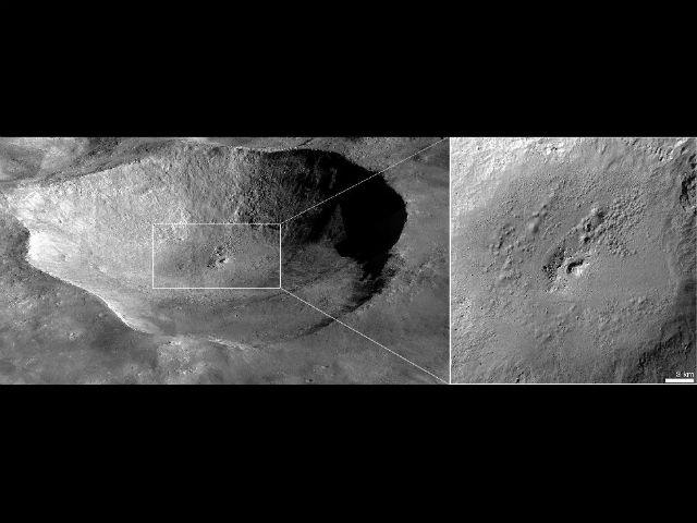 При попадании метеоритов в водородсодержащие породы температура поднимается, и образовавшаяся вода в виде пара прорывается на поверхность (иллюстрация NASA/JPL-Caltech/UCLA/MPS/DLR/IDA/JHUAPL).