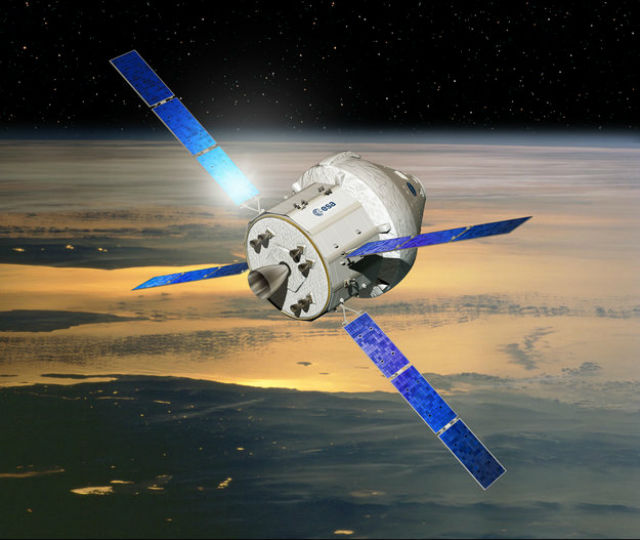 """Компьютерная модель будущего корабля """"Орион"""" для полётов к Марсу (иллюстрация ESA/D.Ducros)."""
