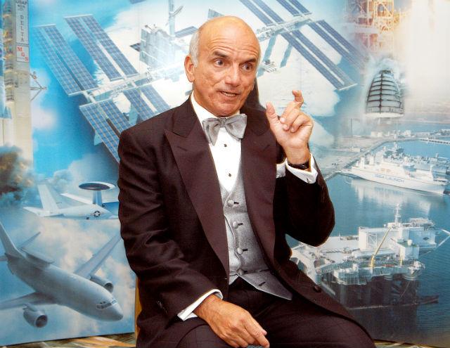Деннис Тито, первый космический турист, мультимиллионер, основательно фонда Inspiration Mars (фото NASA/Wikimedia Commons).