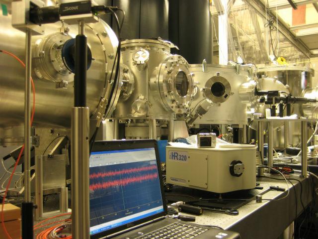 В обозримом будущем настольными ускорителями элементарных частиц обзаведутся почти все мировые лаборатории (фото Rafal Zgadzaj).