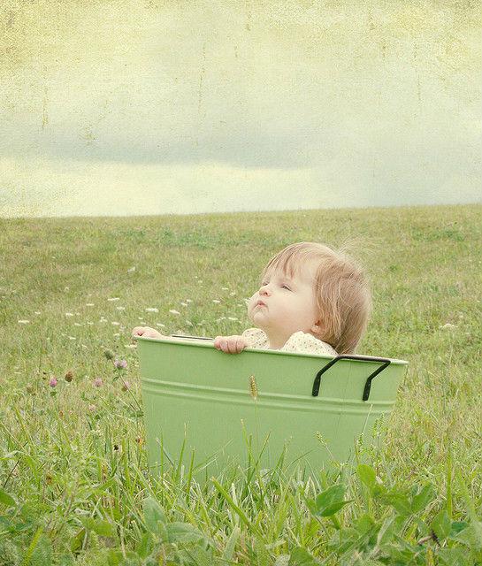 По словам американских учёных, лучше всего зачинать ребёнка летом и рожать весной (фото Charlotte Morrall/Flickr).
