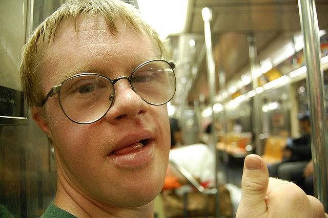 Люди, живущие с синдромом Дауна, возможно, в скором времени получат лекарство от своей болезни (фото Rebecca Wilson/Flickr).
