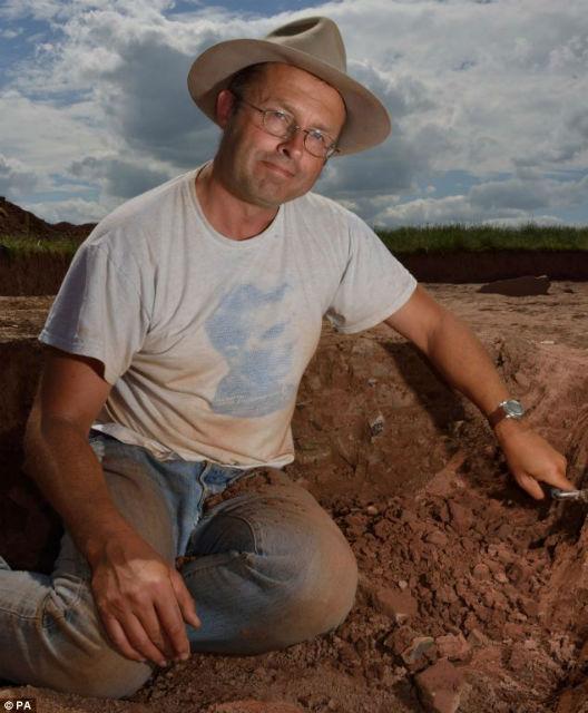 Ведущий автор исследования археолог Джулиан Томас назвал это событие находкой всей жизни (фото University of Manchester).