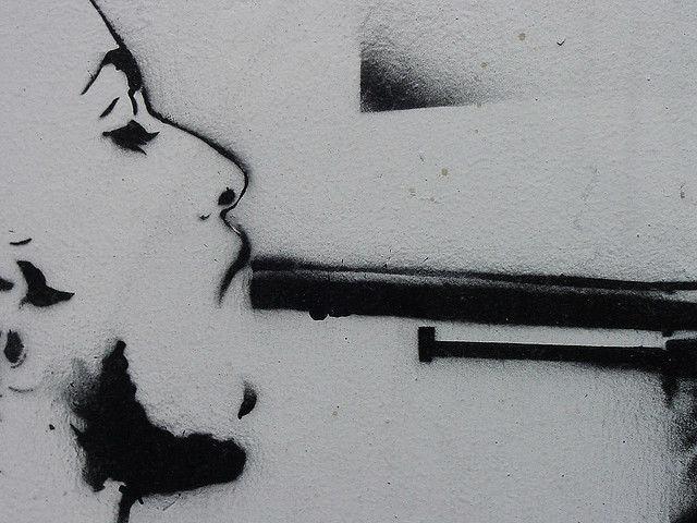 Самоубийство близкого человека — не только трагедия, но и почти всегда неожиданность. Поэтому способ предсказать подобное науке крайне необходим (иллюстрация polmuadi/Flickr).