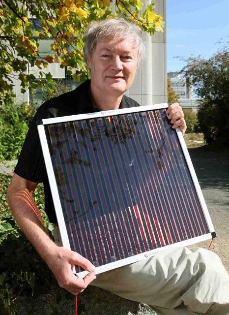 Майкл Гретцель, сторонник доступных фотоэлементов, в настоящее время участвует в разработке батарей на основе перовскита (фото Michael Gretzel/EPFL).