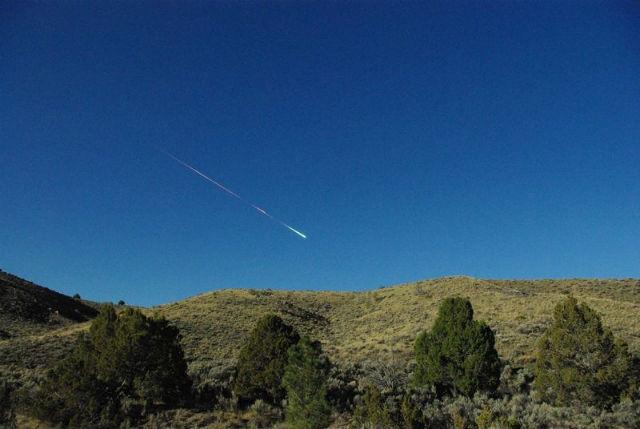 Падение метеорита в апреле 2012 года (фото Lisa Warren).