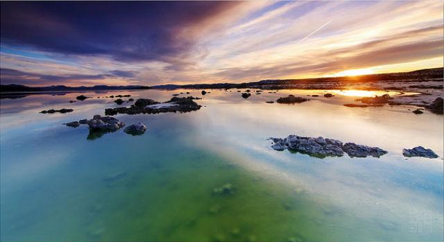 Если Земля не сможет поддерживать на своей поверхности воду в жидком виде, то жизни на ней уже не будет (фото Dhilung Kirat/Flickr).