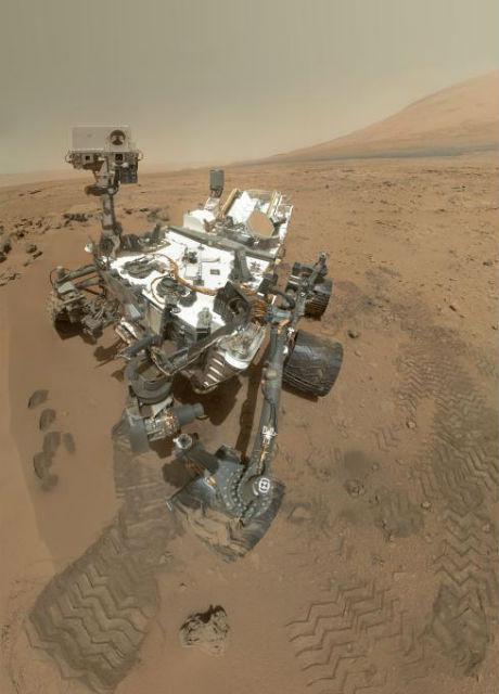 Несмотря на то, что сегодня Марс выглядит как засушливая пустыня, несколько миллиардов лет назад он был богат кислородом и водой (фото NASA/JPL-Caltech/MSSS).