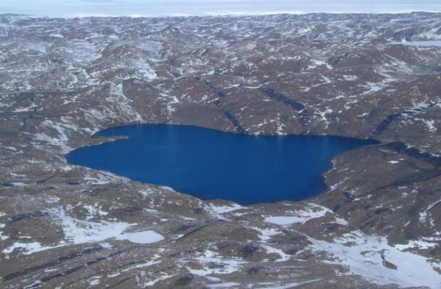 Озеро Глубокое в Антарктиде настолько солёное, что не замерзает даже при температуре в минус 20 градусов по Цельсию (фото UNSW).