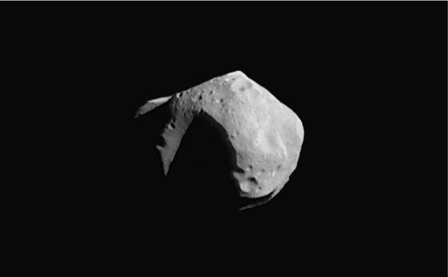 Существует теория панспермии, согласно которой жизнь была рассеяна по планетам метеоритами (фото NASA, Wikimedia Commons).
