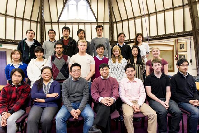 Исследование проводили сотрудники кафедры неорганической химии факультета химии в Оксфордском университете. (иллюстрация Tsang Group).