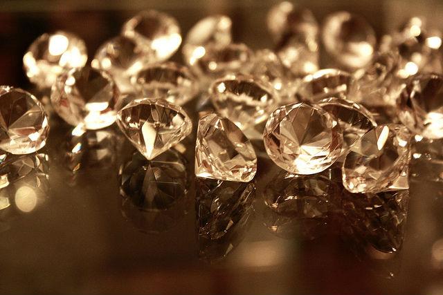 Если и есть алмазы на Сатурне, их лучше оставить там (фото Kim Alaniz/Flickr).