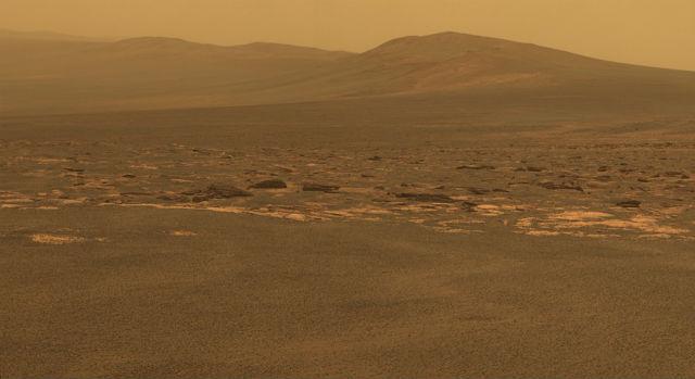 Западный край кратера Индевор (фото NASA/JPL-Caltech/Cornell/ASU).