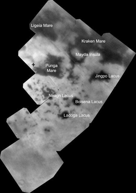 Это изображение показывает обширные моря и озёра из углеводородов вблизи северного полюса Титана. Снимок сделан на длине волны всего 968 нанометров, что близко к пределу человеческого глаза. Разрешение достигает 536 метров на пиксель. Озёра, получившие собственное название (например, Ладога), подписаны (фото NASA/JPL-Caltech/SSI/JHUAPL/Univ. of Arizona).