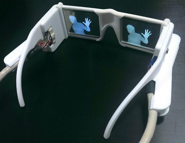 Смарт-очки будут продаваться по цене порядка тысячи фунтов стерлингов, около 50 тысяч рублей (фото Stephen Hicks).
