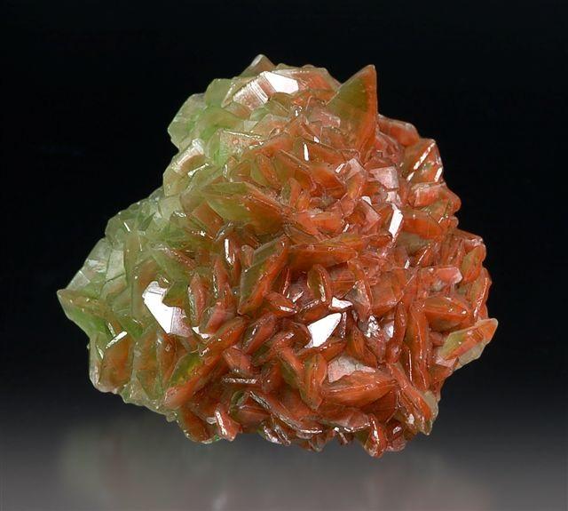 Наночастицы гематита способны переносить груз, превышающий их собственную массу в 10 раз (фото Rob Lavinsky/iRocks.com/Wikimedia Commons).