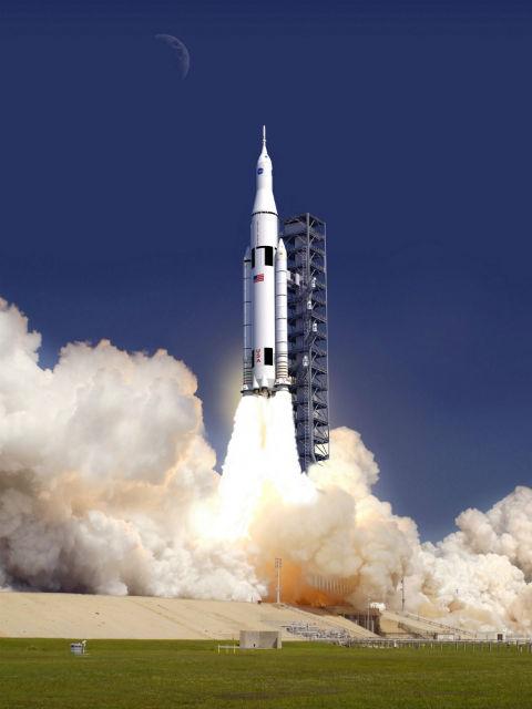 Запуск ракеты SLS в представлении художника (иллюстрация NASA/Wikimedia Commons).