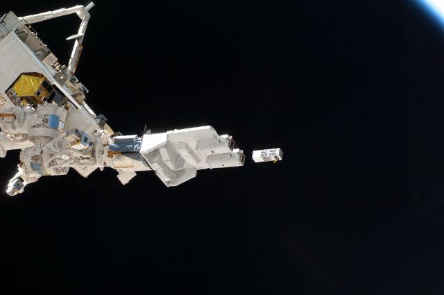 Отстыковка зонда от МКС (фото NASA).