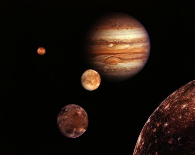 Четыре крупнейших спутника Юпитера: Ио, Европа, Ганимед и Каллисто (иллюстрация NASA/JPL).