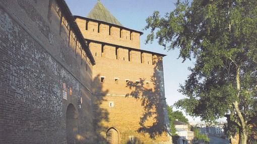 Автор: Ивановская башня. Фото А.В. Ивасенко из книги