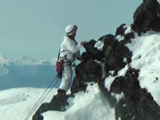 Российский спецназ высадился на вулкан, уничтожил ПВО и базу бандитов