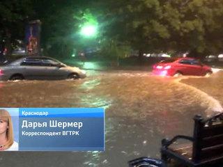 В Краснодаре подросток погиб от удара тока, пытаясь переплыть затопленную улицу