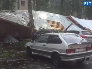 """Ураган снес крышу питерского стадиона """"Крестовский"""""""