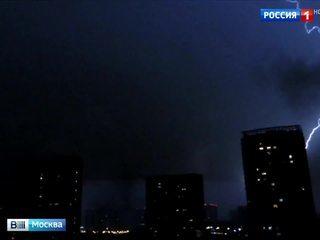Волна на фронте: синоптики объяснили ночной московский апокалипсис