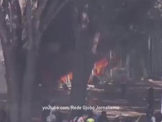 В Бразилии участники протестов пытались штурмовать президентский дворец