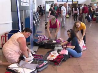 Грузчики аэропорта Брюсселя требуют оплаты сверхурочных