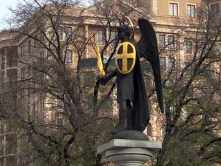 Жители Донецка почтили память жертв погибших в авиакатастрофе