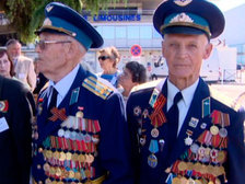 """Ветераны легендарного полка """"Нормандия - Неман"""" приехали во Францию"""