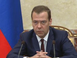 Медведев: перечень санкционных продуктов не изменился