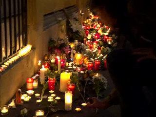 В Будапеште почтили память погибших в Италии школьников