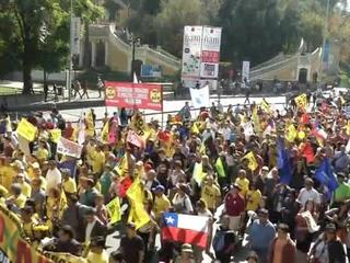 Миллионы чилийцев вышли на антиправительственные акции