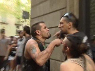 Испания после терактов: на улицах схлестнулись неонацисты и антифашисты
