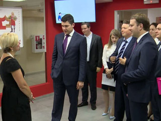 Губернатор Алиханов и министр Орешкин проверили работу МФЦ на себе