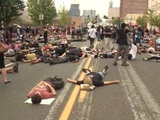 Беспорядки в Сент-Луисе продолжаются третий день