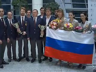 С золотом и серебром: встреча российских шахматистов