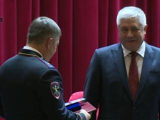 Глава МВД наградил самоотверженных полицейских