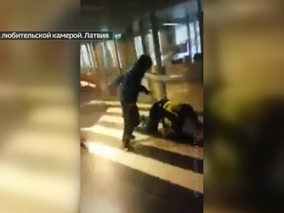 В рижской школе пьяный старшеклассник избил полицейского