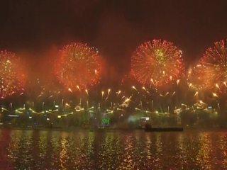 Новый год шагает по планете: праздничные салюты гремят во всех уголках мира