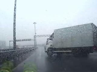 Регистратор снял тройное ДТП на КАД в Санкт-Петербурге