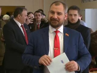 Сурайкин и Кадыров пришли голосовать с мамами
