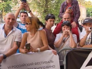 """Фестиваль короткометражного кино """"Короче"""" открылся в Калининграде"""