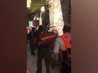В Иерусалиме после нападения на полицию закрыли мечеть Аль-Акса