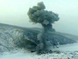 Военные взрывом пробили затор на Бурее