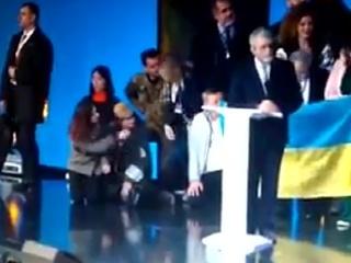 Украина. Геращенко показала Порошенко, как повиниться перед народом